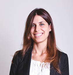 Dr. Lia Roberto